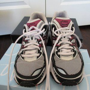 Asics Gel Athlete Shoe